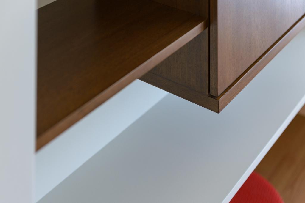 detaliu corpuri superioare mobilier suspenda